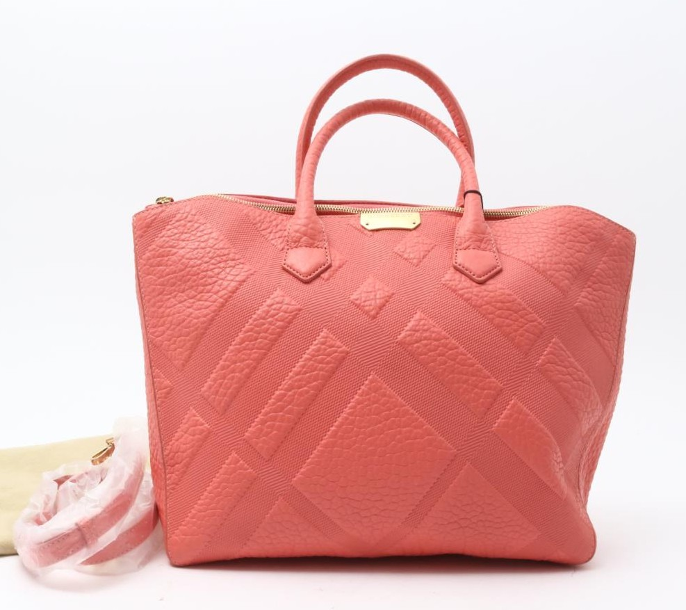 Preowned Used designer Brand Handbag BURBERRY 2Way pink Leather Handbags for Bulksale. Many Brands available.