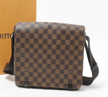 53bd4689418 Bolsa de marca usada LOUIS VUITTON District Damier Bolsas de ombro para  venda a granel.