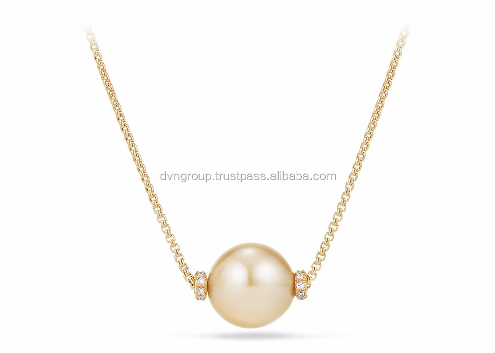 freshwater in pearl yellow gold a pendant with cultured