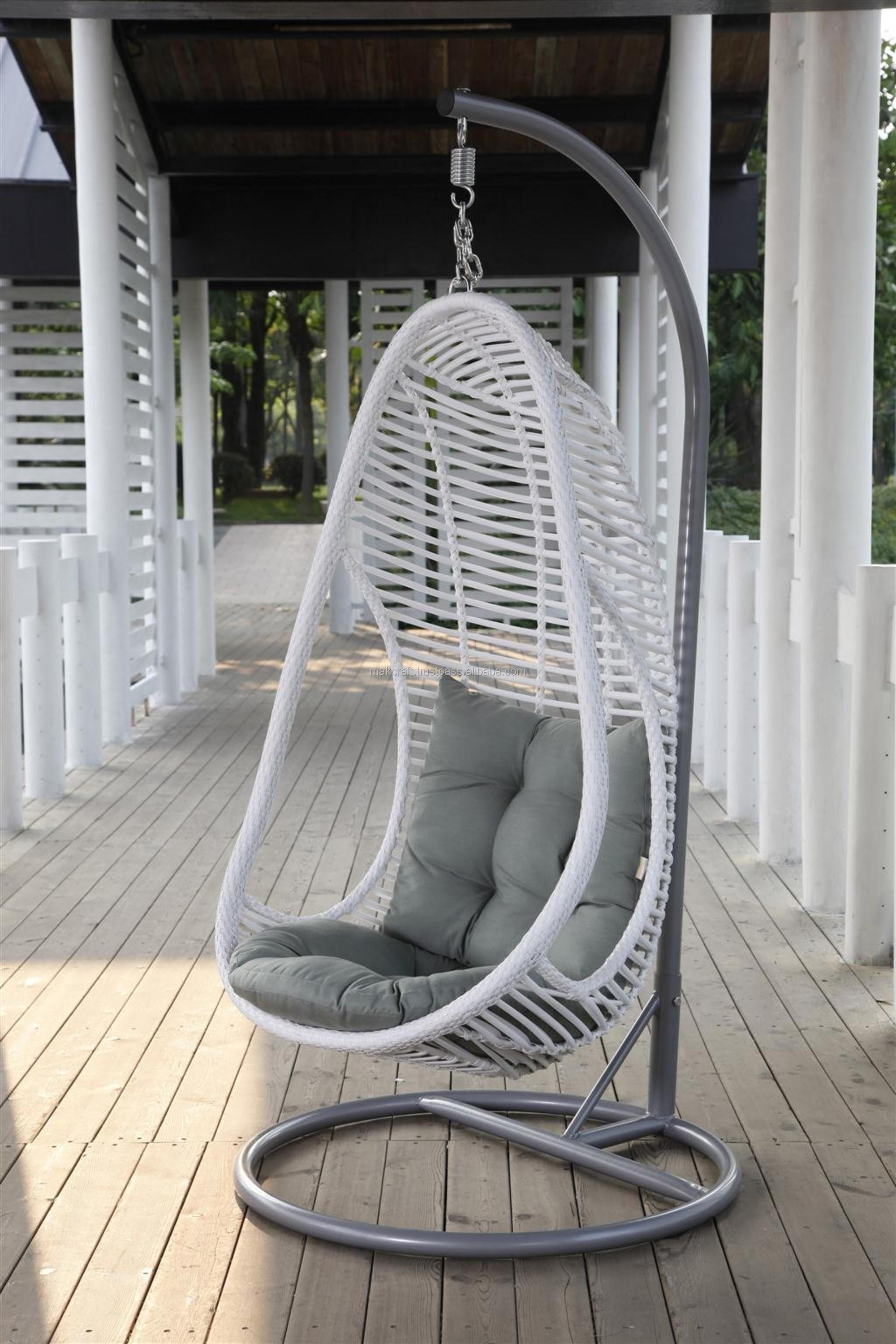Ei Voor In De Tuin.Rieten Rotan Outdoor Tuin Swing Egg Chair Tuin Rotan Swing Egg Chair Patio Swing Ei Stoel Met Stalen Frame Meubels Buy Rieten Opknoping Swing Ei