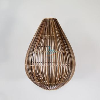 Drop-shaped bamboo lampcover and shade