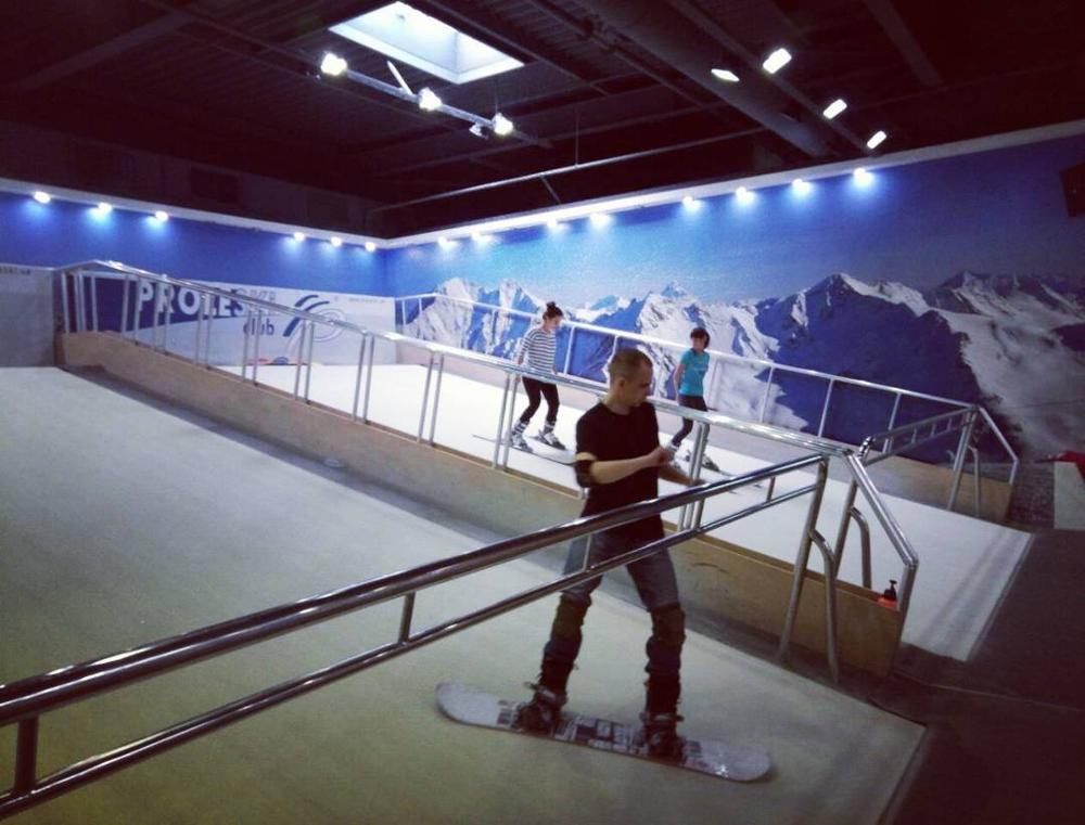 Winter sport training equipment Buy in Chile PROLESKI Indoor ski and snowboard simulator for body fitness on infinite slopes