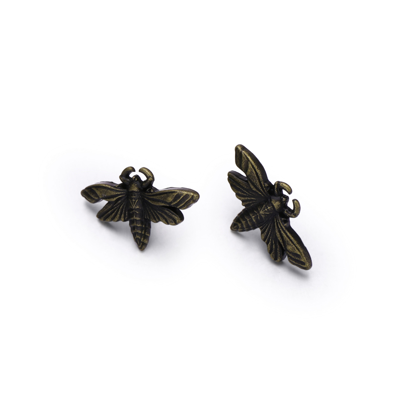 Wholesale Custom Made Vintage Zinc Alloy Bee Shape Metal Label Pin Badge