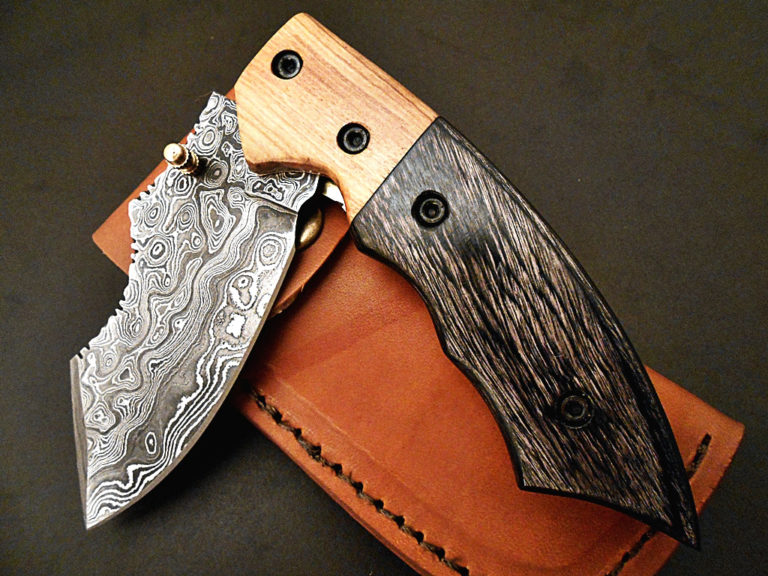 "Damascus steel folding knife / pocket knife "" color wood """