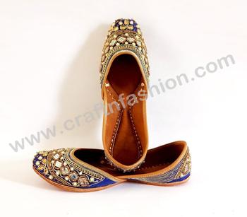 7bff707a5 Women s Wedding Wear Flat - Punjabi Khussa Jutti - Embroidered Slippers -  Women s Flip Flop Shoes