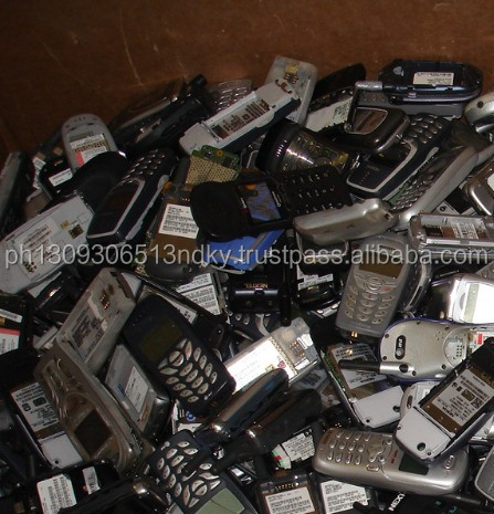 Old used scrap mobile phones available at good prices