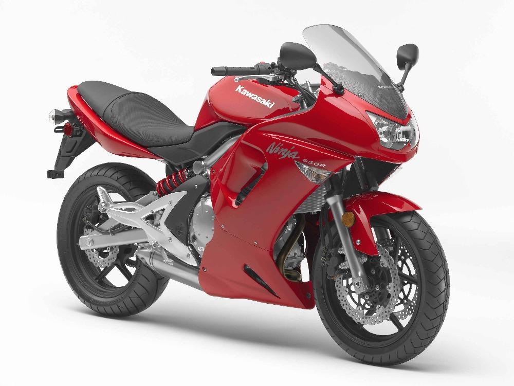 2016-Kawasaki-Ninja-Z1000.jpg