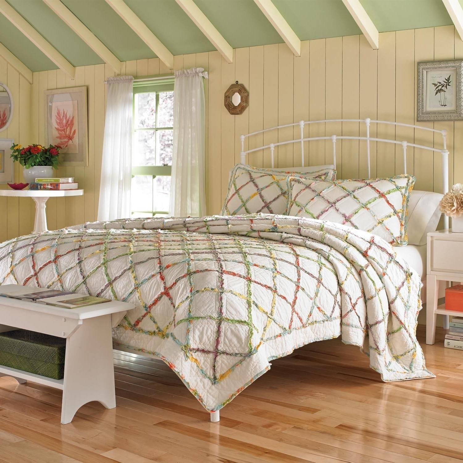 1 Piece Beautiful Ruffled Rainbow White King Quilt, Floral Diamond Pattern Themed Bedding Green Red Blue Yellow Purple Garden Classic Country Chic Summer Spring Vintage Cottage Chic, Cotton