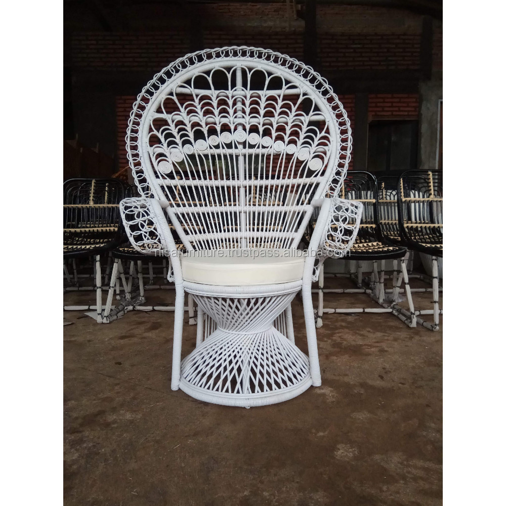 Adult Natural Rattan Peacock Chair For Wedding Chair Indonesia