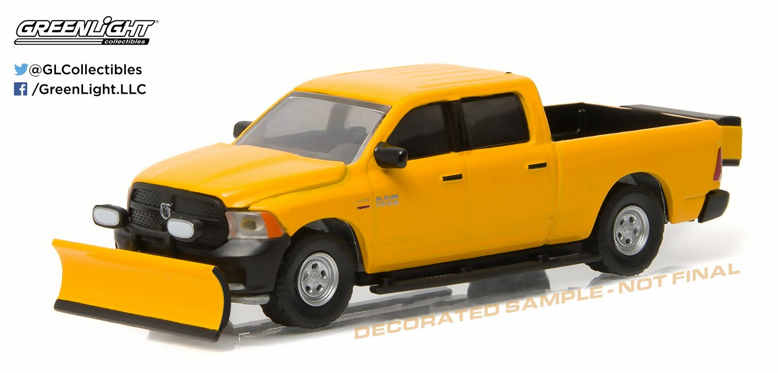 GREENLIGHT 1:64 BLUE COLLAR COLLECTION 1 - 2014 RAM 1500 TRADESMAN WITH SNOW PLOW AND SALT SPREADER
