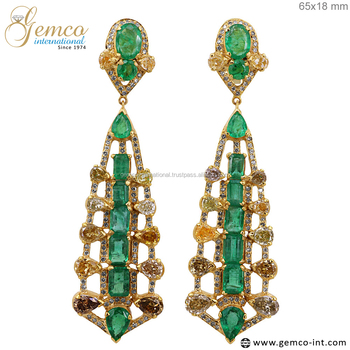 18 Carat Yellow Gold Earrings Slice Diamond Natural Emerald