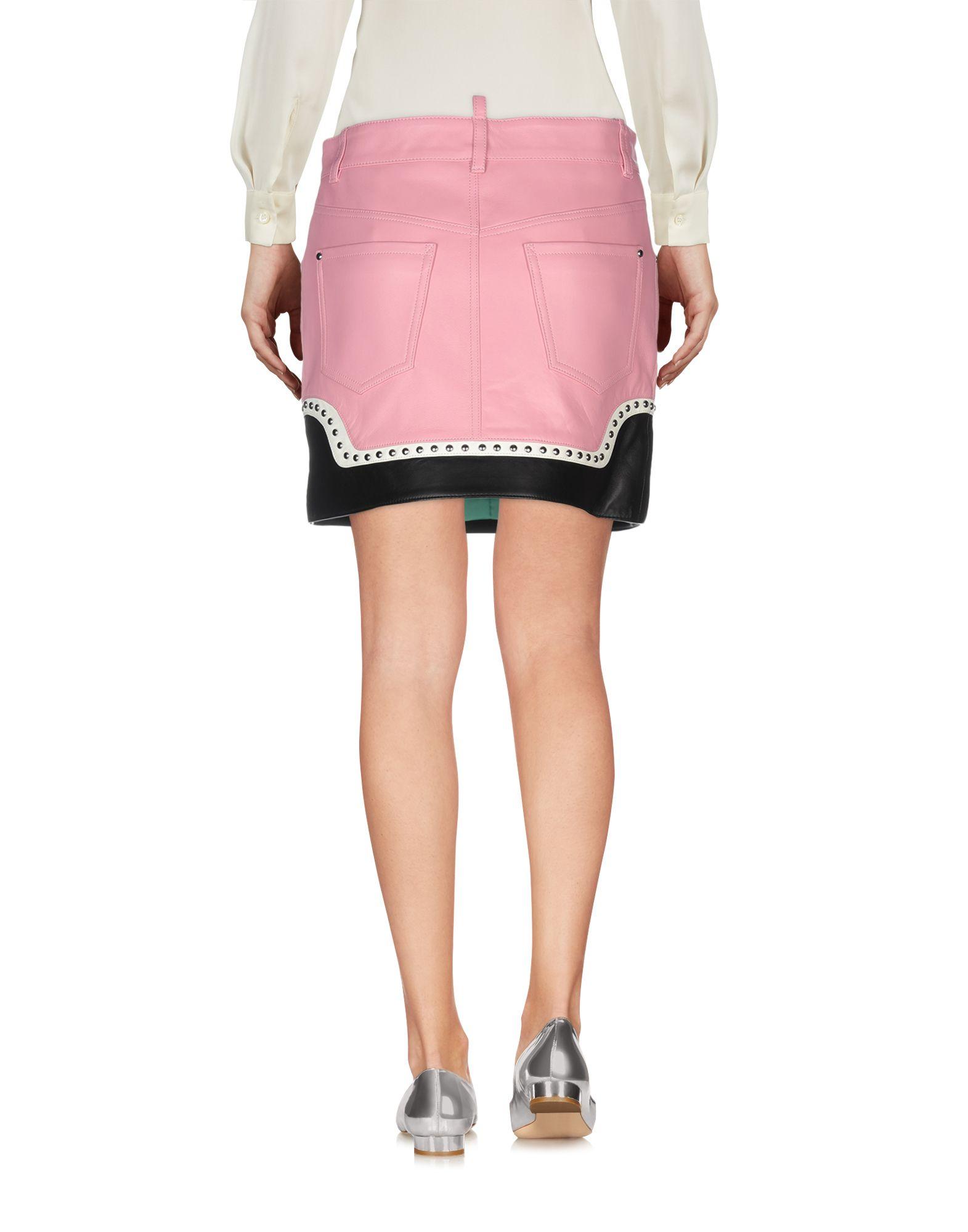 女性革ショートスカート