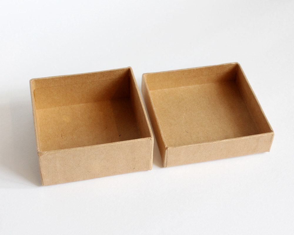 Natural brown kraft gift packaging box with ribbon