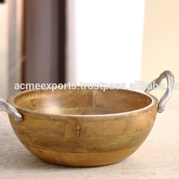 Round Bowl In Wooden With Metal Handle