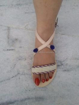 trendy slippers for girls