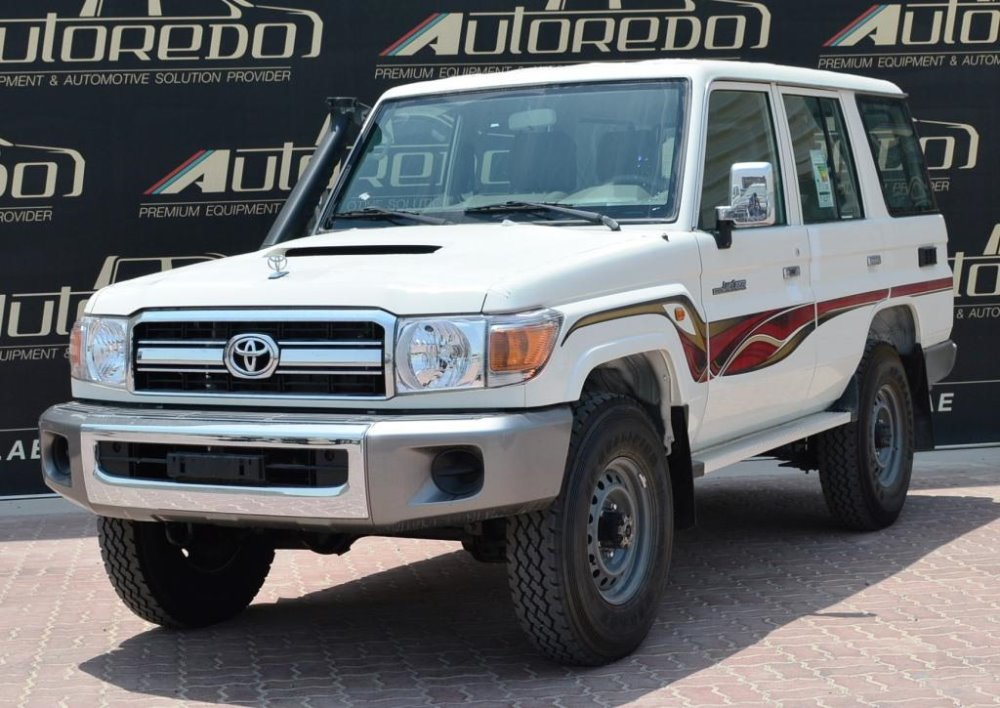 TOYOTA LAND CRUISER 76 LX WAGON 4.5 TURBO DIESEL