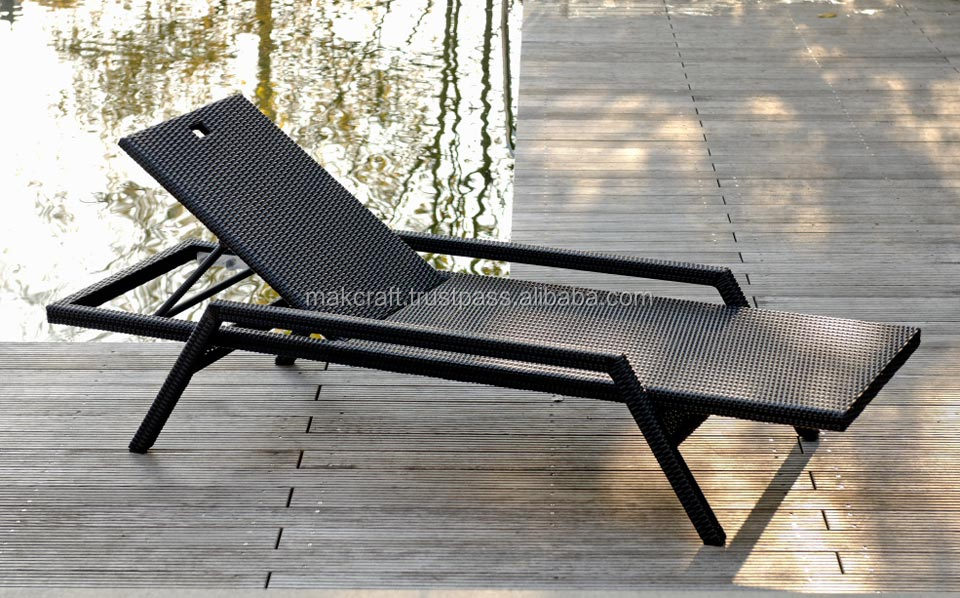 Latest Resin Wicker Rattan Outdoor Sunbed Poly Rattan