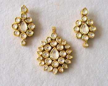 Latest traditional indian bollywood jaipur style kundan meena latest traditional indian bollywood jaipur style kundan meena pendant set for weddings bridal party jewelry aloadofball Images