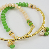 green and ivory wire beads bracelet