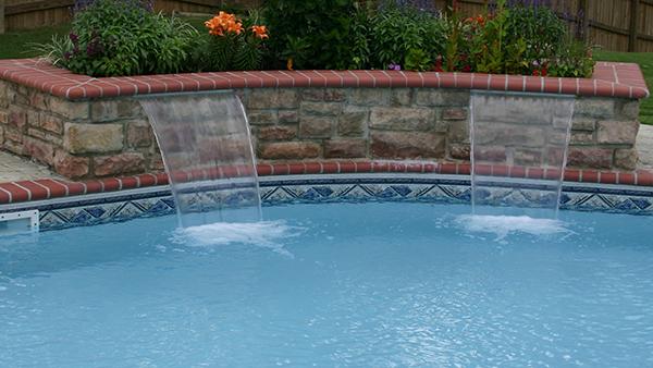 คุณสมบัติน้ำสวนน้ำตกน้ำพุสระว่ายน้ำน้ำตก LED LIGHT
