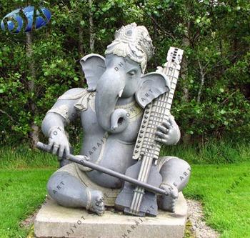 Merveilleux Grey Sandstone Antique Ganesh Sitting Statue Sculpture