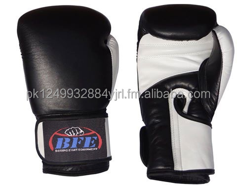 Customized Muay Thai MMA Boxing Gloves Punching Mitts Manufacturer of Boxing Gloves