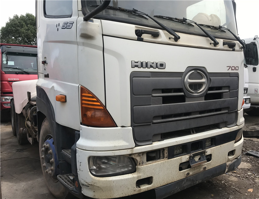 Giappone Hino 700 camion testa usato NISSAN Howo Shacman Volvo Scania trattore testa 6*4 4x8 25 t 40 t camion testa