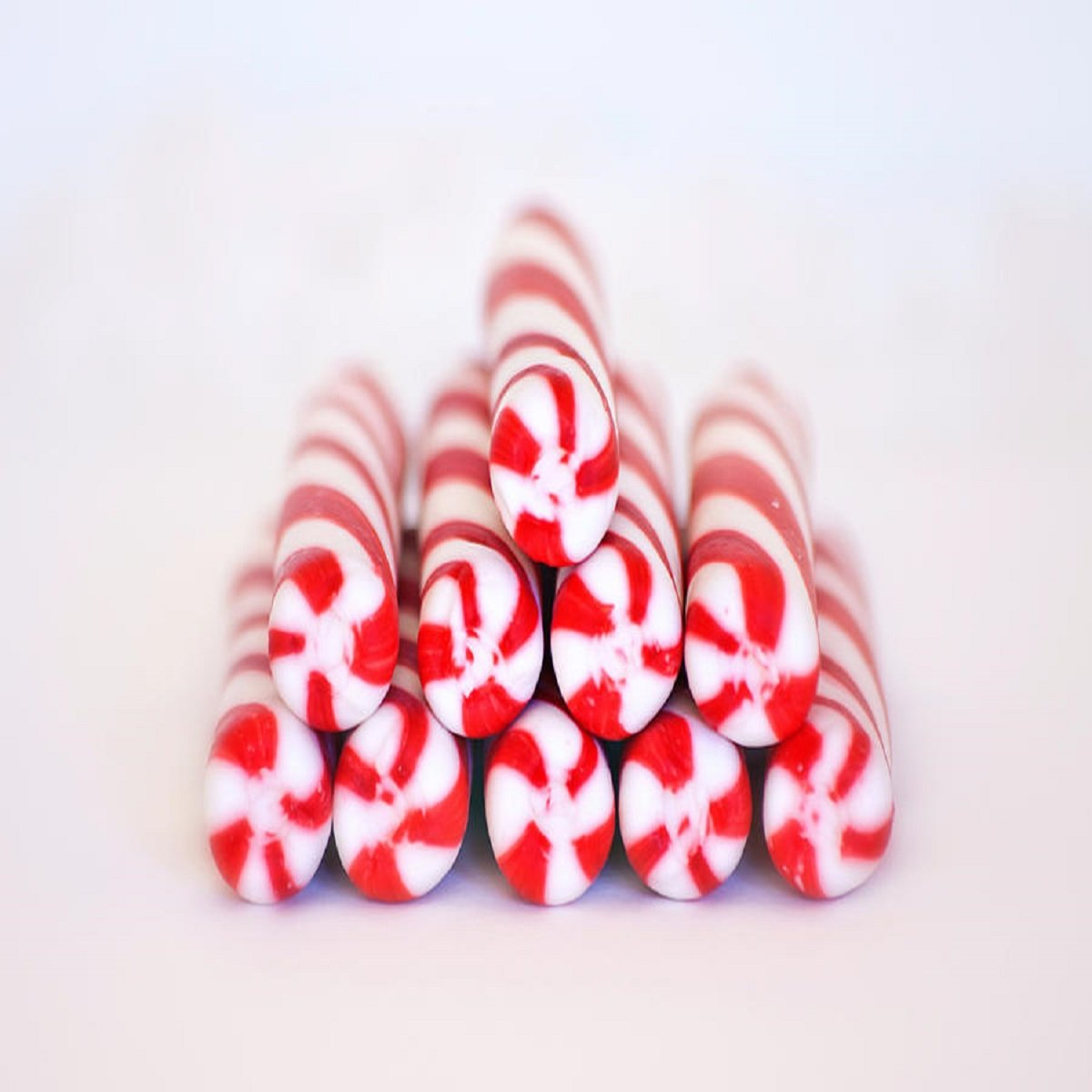PEPPERMINT TWIST FRAGRANCE OIL - 16 OZ/ 1 LB - FOR CANDLE & SOAP MAKING BY VIRGINIA CANDLE SUPPLY - FREE S&H IN USA