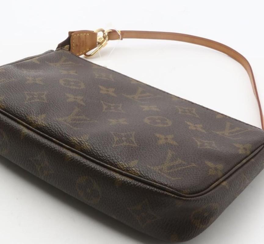 Used original branded LOUIS VUITTON M40172 Monogram Accessories Pochette Hand  bags for bulk sale. b022065685811