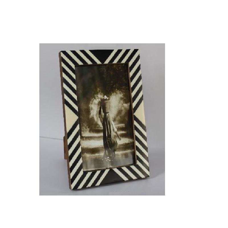 Bone And Horn Mosaic Photo Frame Zigwag Line Pattern With Carving Available In All Photo Sizes Buy Bone And Horn Photo Frame Indian Photo Frame Black And White Photo Frame Product On Alibaba Com