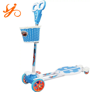 four flashing wheels kick foot scooter/wiggle toy scooter for kids