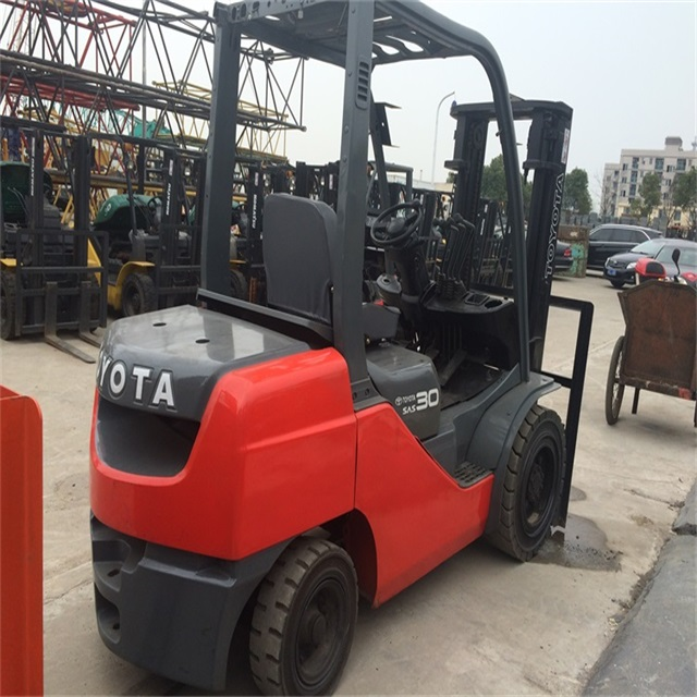 Rare in Market Deep Red Used TOYOTA 3 ton FD30 Forklift