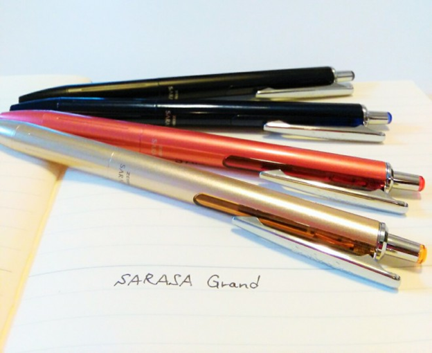 "It looks like a fountain pen. High quality gel pen. which means ""gorgeous""""luxurious"" !"