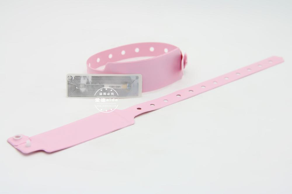 125 khz Reusable Medical RFID NFC Plastic PVC Bracelet Wristband Wrist Tag Price