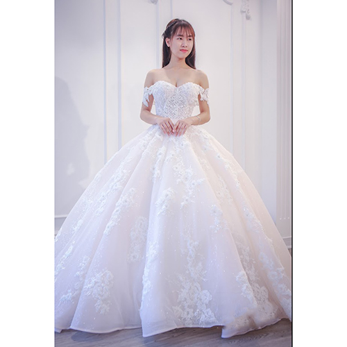 f71ad241 MODERN WEDDING DRESS, BALL GOWN BRIDAL DRESS, VIETNAM SOURCING SERVICE. >
