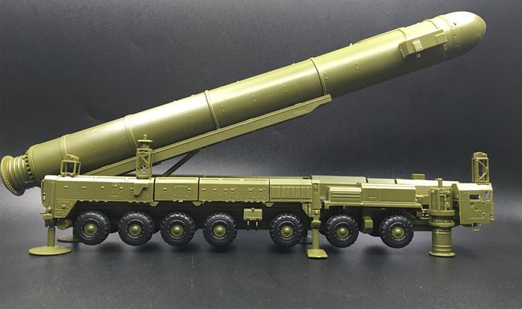 Plastic Missile Model Kit 1:72 Military Model SS-25 Intercontinental Ballistic Missiles