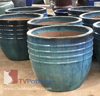 large outdoor ceramic pots