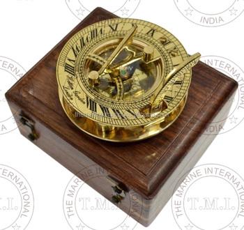 a8e8fdfc950d Venta al por mayor de latón redondo reloj brújula con caja ~ latón marino  reloj de