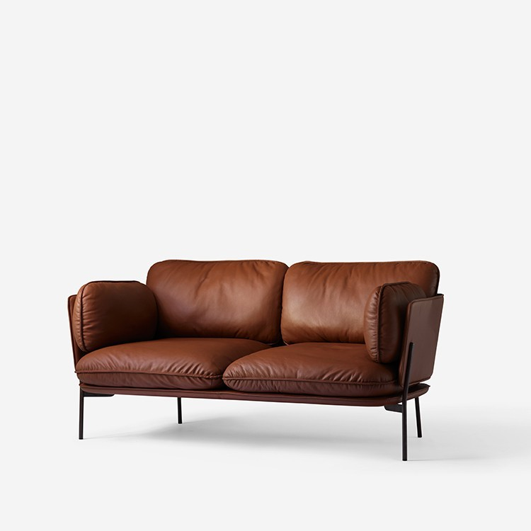 Traditional Two Seater Leather Sofa Set