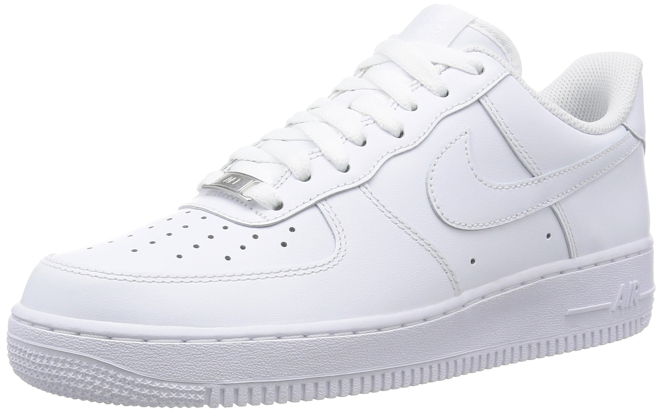 the best attitude 147be d47e9 Nike Mens Air Force 1 07 QS Basketball Shoes