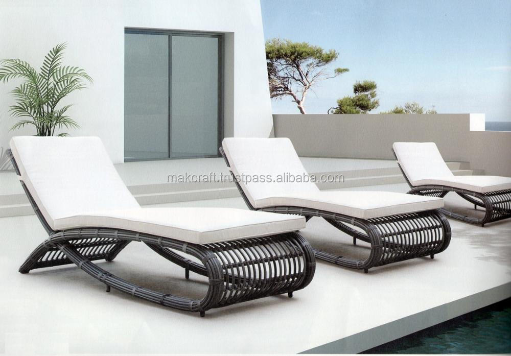 Poly Rattan Wicker Patio Sun Lounger Chaise Lounge