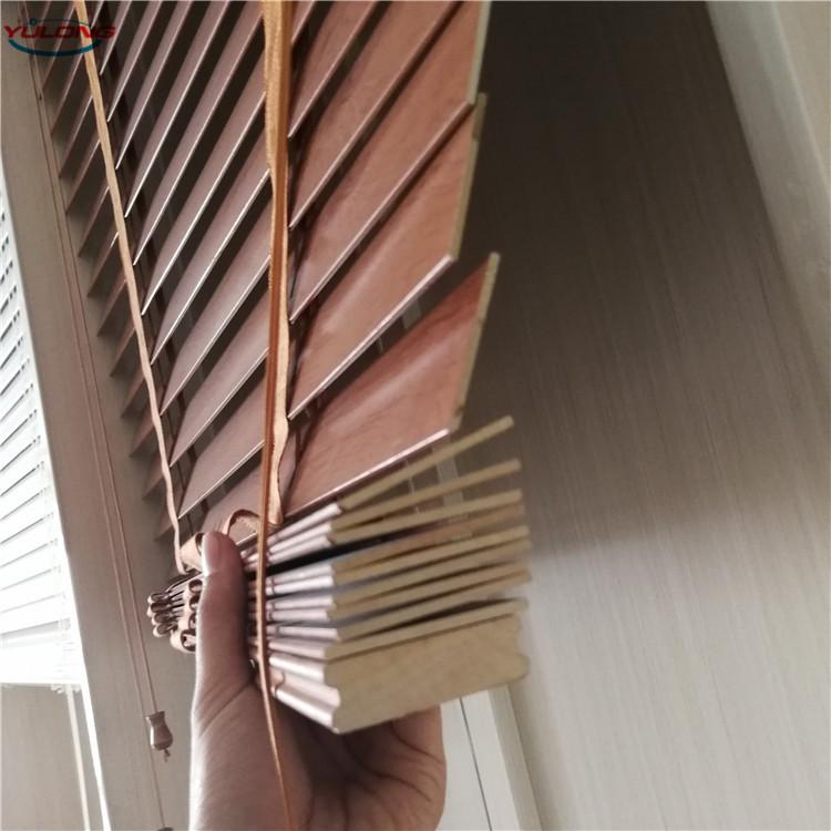 YL hochwertige, maßgefertigte Fensterläden 50 mm Lamellenlinde