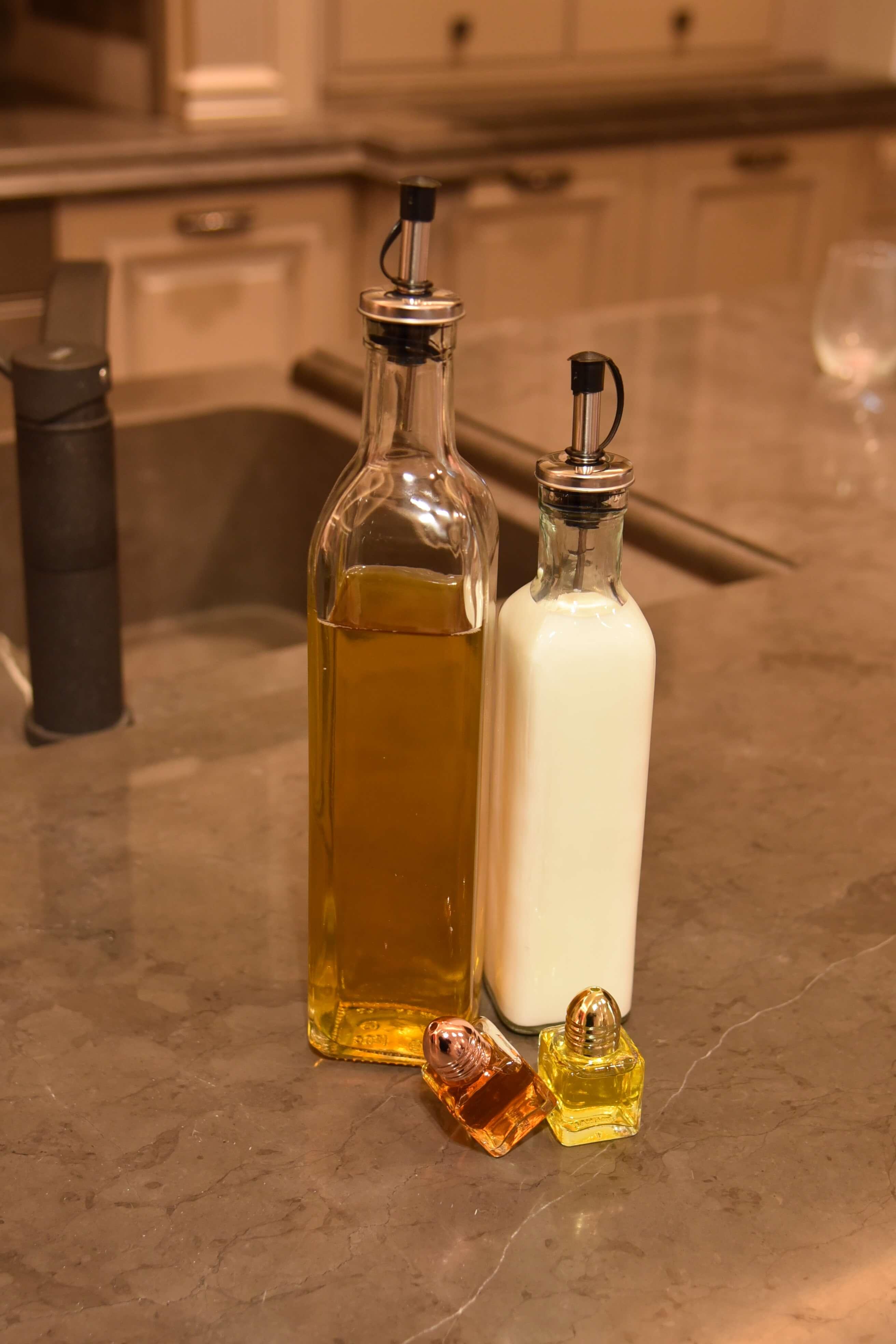 300 ML/10 OZ aceite vegetal preservar dispensador de botella con tapón de silicona y acero inoxidable vertedor