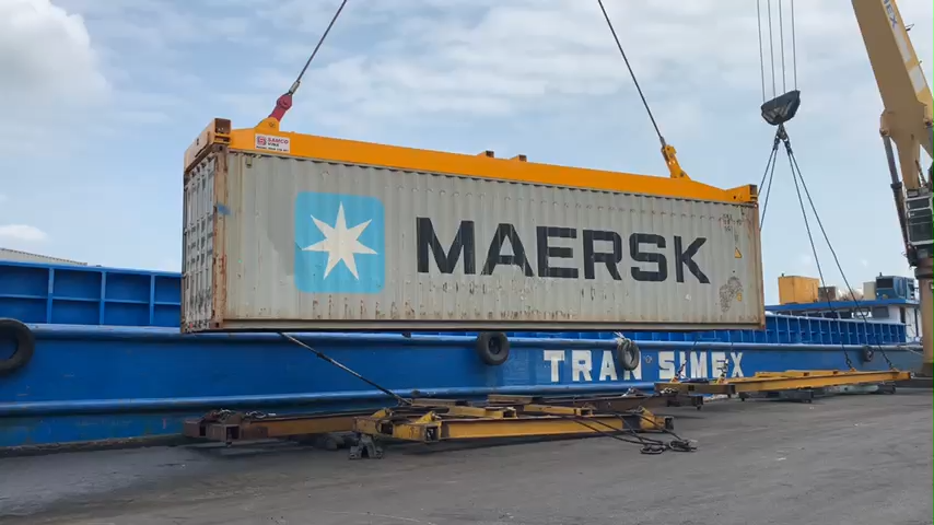 Auto twist container spreader on seaport made in Viet Nam